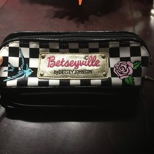 Betseyville small makeup pouch with mirror